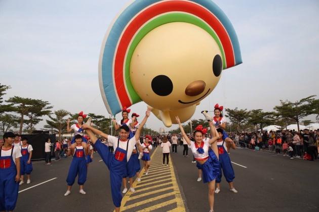 跨年前高雄最盛大活動 OPEN!大氣球遊行
