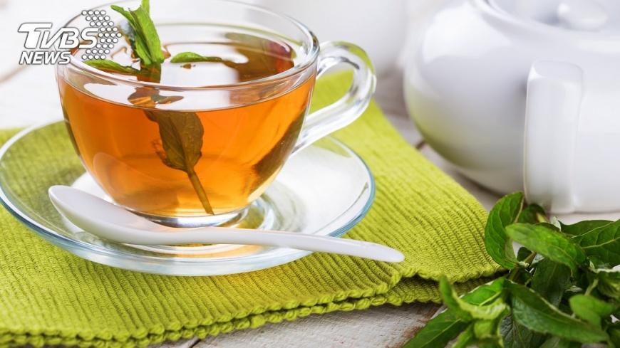 草藥茶也能舒緩胃痛。示意圖/TVBS