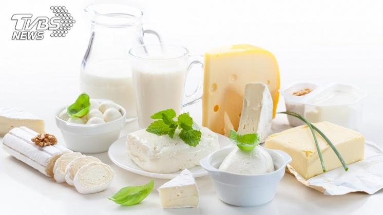 乳製品富含鈣,鈣與腎結石的高風險有密切關係。示意圖/TVBS