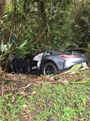 車內安全氣囊全爆開。圖/TVBS