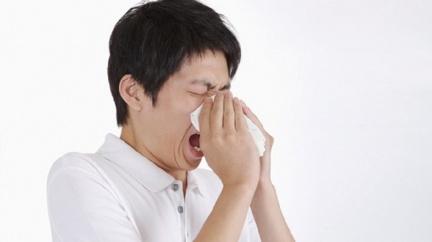 若民眾出現類流感症狀,可至全國類流感門診就診。示意圖/TVBS