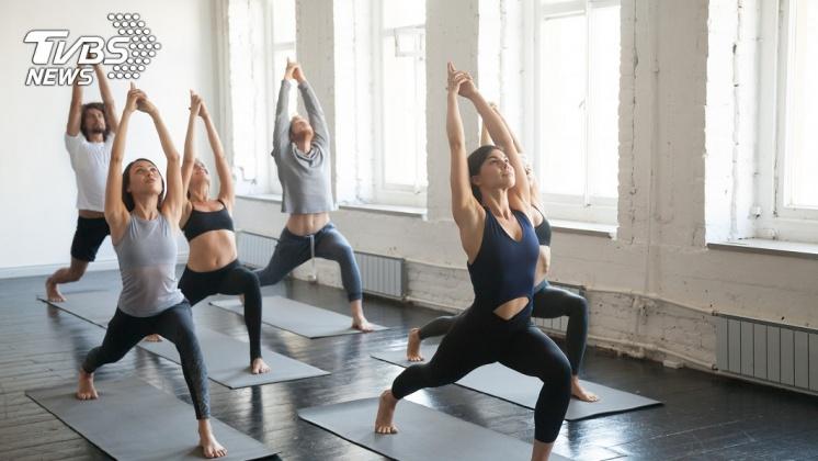A型的人適合「舒緩型運動」,如:瑜珈。示意圖/TVBS