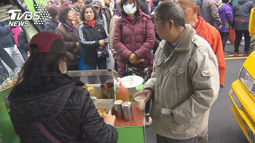 貨不夠賣!「韓流」北漂站台 攤商卡位賺飽飽