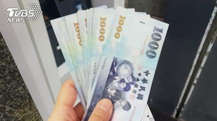 月薪4萬!小資女曝1招「無痛儲蓄」:28歲存2百萬