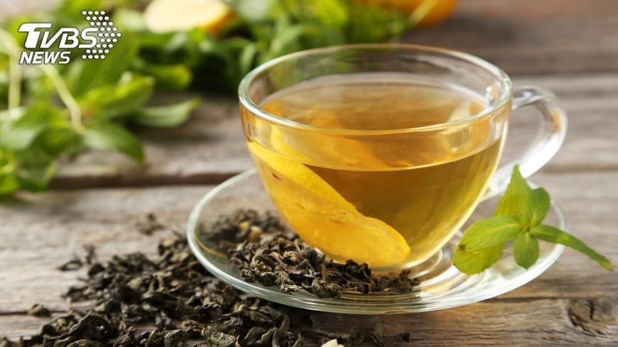 綠茶中的元素能減少肝臟內脂肪的堆積,還能保護肝臟並預防疾病。示意圖/TVBS
