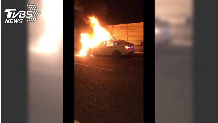 圖/TVBS 轎車追撞起火!駕駛燒成白骨 妻目睹:怎麼辦!