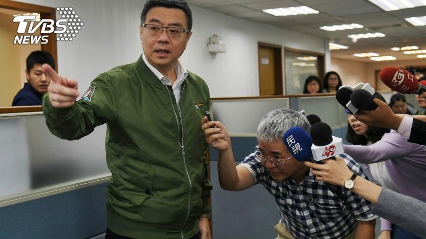 民進黨主席卓榮泰否認,有兩度拒絕蔡英文要求撤銷民調時程一事。圖/中央社 【觀點】初選時間還要喬  綠營最後到底何時民調?