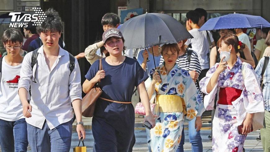 圖/達志影像美聯社 日本好熱!京都連兩天破38度 飆破體溫