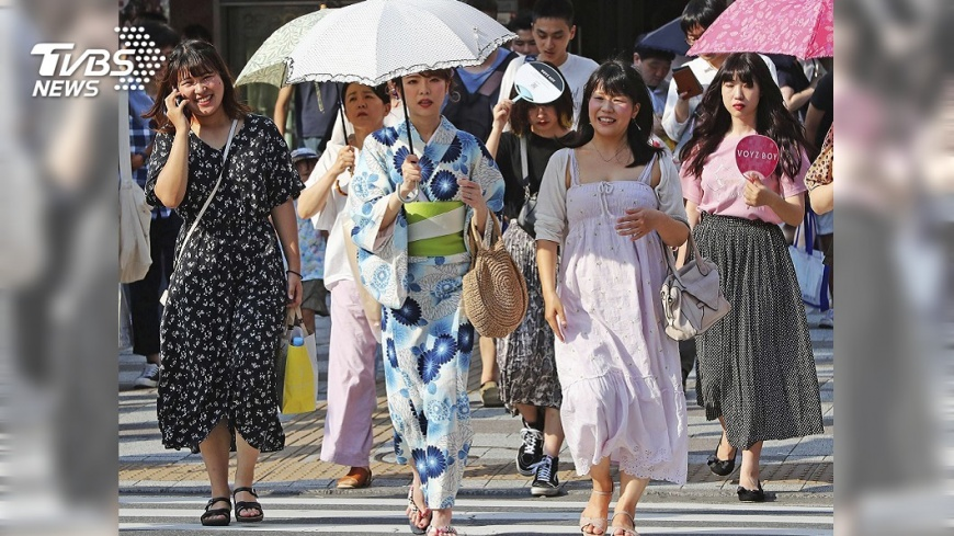 圖/達志影像美聯社 7月百年來最熱! 東京熱死39人電車跳電