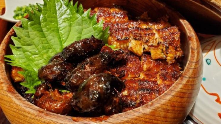圖/翻攝自 kocky 推特 鰻魚美味大進擊 蒸鰻魚、鰻涮涮鍋、鰻魚堡
