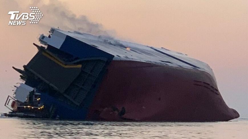 圖/達志影像美聯社 韓現代集團貨船在美翻覆 20人獲救4失蹤