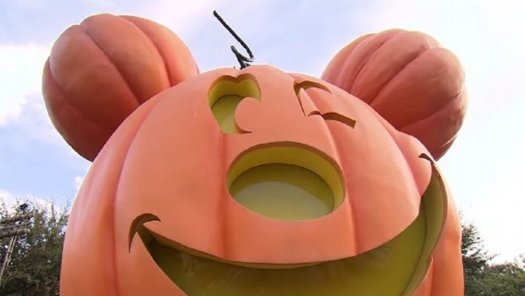 圖/翻攝自  Disneyland Resort YouTube 大秀搞怪風格 迪士尼角色萬聖新裝登場