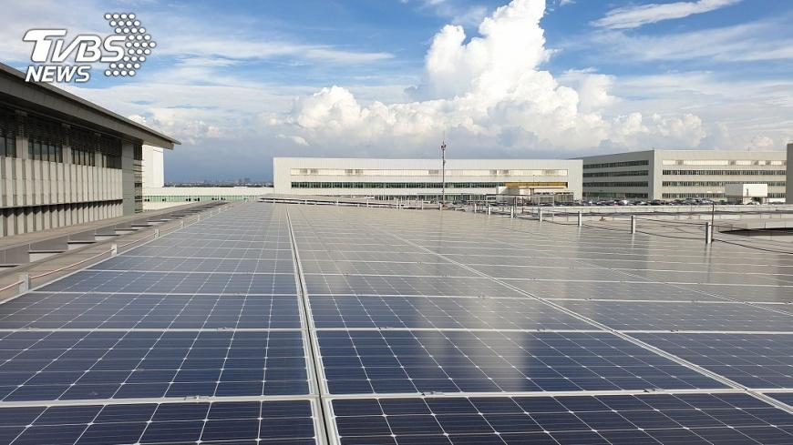 支持再生能源政府須跨部會平台合作,利用制度化拯救臺灣的環境及經濟問題。圖/中央社 【觀點】環境與經濟合作,臺灣才能創造永續經濟競爭力