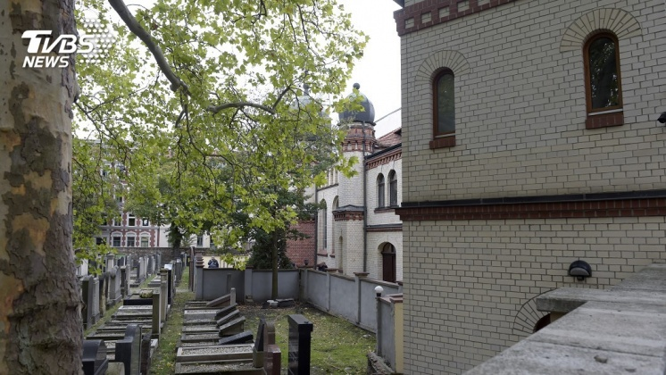 圖/達志影像美聯社 德國猶太教堂槍擊釀2死 兇嫌疑線上直播過程