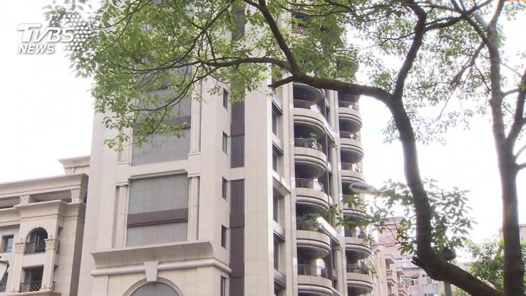 圖/TVBS 快訊/北市修改建商囤房稅! 寬限期從3年縮至1年