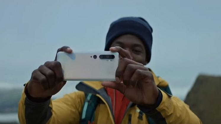 圖/翻攝自 Xiaomi YouTube 手機背面五鏡頭 小米一億畫素手機吸睛