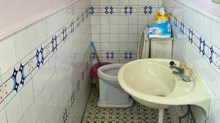 圖/翻攝自爆怨公社 上廁所得「面壁」!她不解:什麼概念 內行人超專業解答