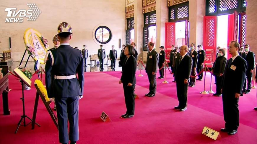 總統蔡英文出席春祭(圖/TVBS) 青年節緬先烈 總統