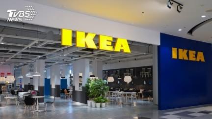 母逛IKEA偷餐具!女兒看監視器1幕爆哭 店員也同情
