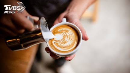喝咖啡仍無法提神?醫師曝「高效喝法」:工作效率特高