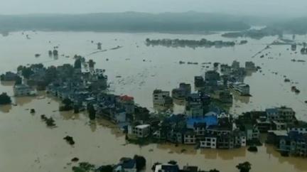 三峽大壩危急?當地人簽「生死牌」:誓與大堤共存亡