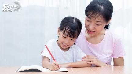 女兒暑假作業要交「爬山心得」 單親媽崩潰:想搞死誰?