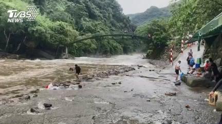 網曝溪水暴漲5前兆 發現「齊頭水」剩10秒逃命