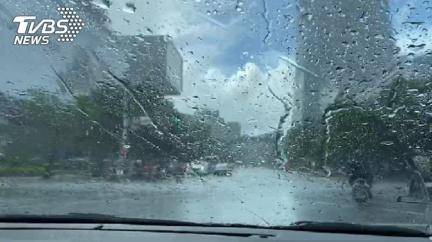 又有颱風!東北季風+水氣 下週低溫雨彈襲台