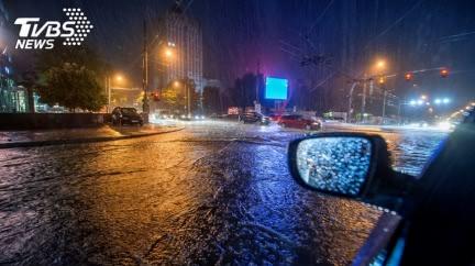 中南部入夜「致災大雨」 9號颱「梅莎」生成時間曝
