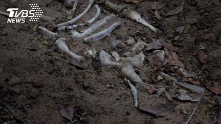 兄弟釣魚失聯!慘遭血腥斬首棄屍…頭顱拋40公尺外