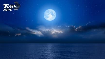許願吉時曝光!罕見「藍月」將登場 翻轉運勢靠1招