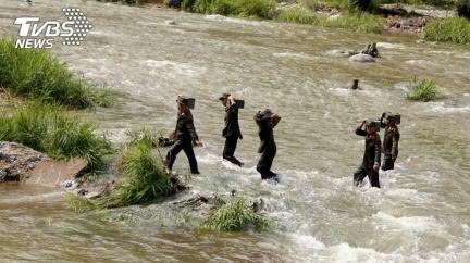 南韓公務員跳海投北!反遭北韓「遠距射殺」燒成灰