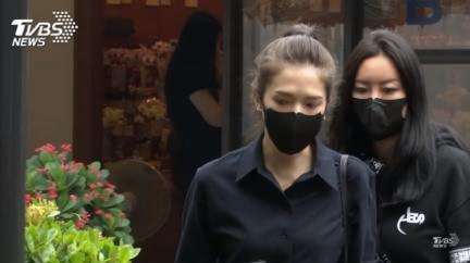 小鬼400億「神秘貴婦」摯友曝!公公超狂含金背景起底