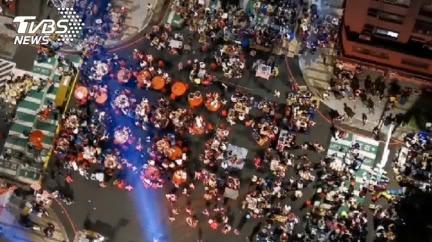 連19年!桃園中壢「萬人封街齊烤肉」 超狂空拍畫面曝