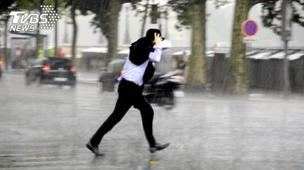 北台濕冷下探18度 梵高恐轉中颱「全台有雨時間曝」