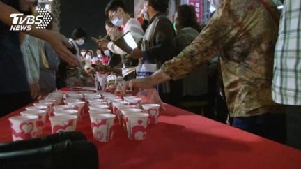 不滿高市府解約 廠商怒爆:事前根本不知「辦桌免費吃」