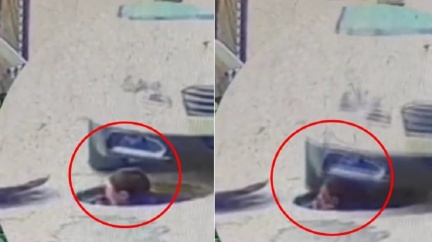工人下水道突探頭 遭車硬輾「重壓爆頭」驚悚畫面全都錄