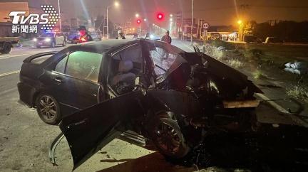 巧合?台江大道無照男撞爛車頭慘死 距6死車禍4百公尺
