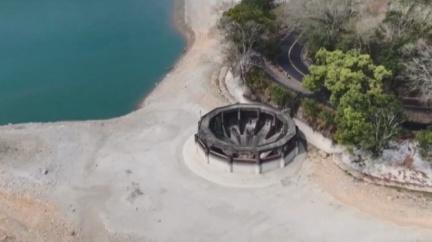日月潭水位創新低 「黑洞」奇景用途曝光
