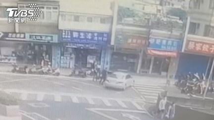 作賊喊抓賊! 駕車衝撞又亮槍被逮還「亂喊警察打人」