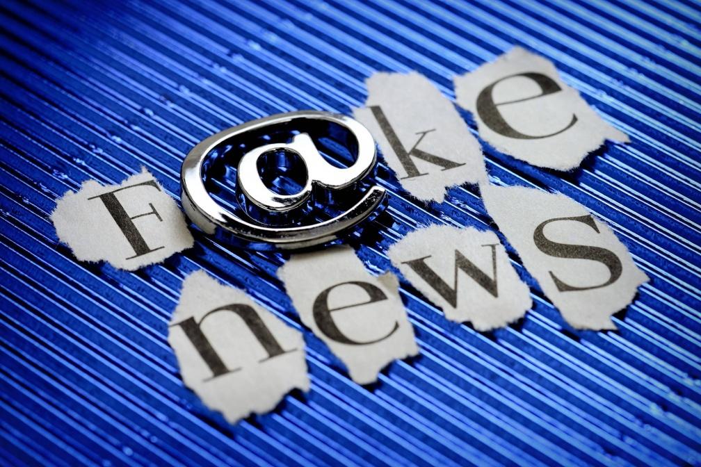美國總統大選落幕後,假新聞在本次選戰中扮演的爭議性角色,讓許多人感到不安。 解決行銷道德困境:終結假新聞 從撤廣告做起