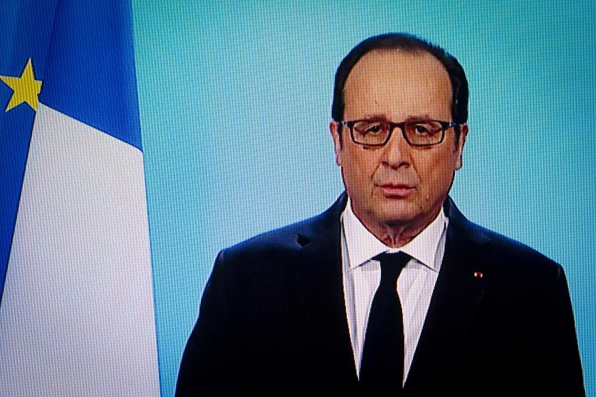 12月1日晚上8點在法國電視台短短的一段直播,卻是改寫法國第五共和歷史的10分鐘。現在總統歐蘭德宣布不再競選連任。 【法大選】選輸了是狗熊 不選起碼還是總統大爺