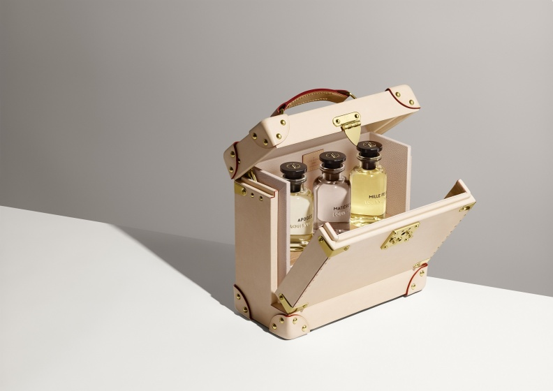FRAGRANCE CASE.jpg