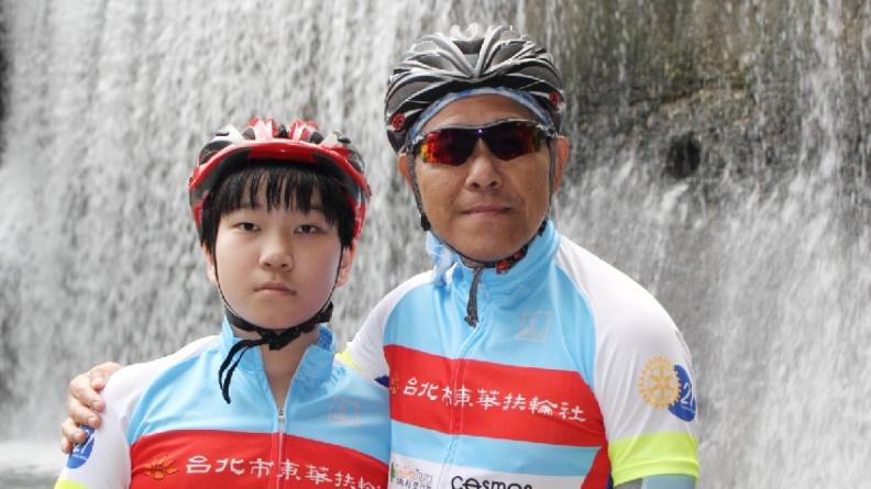 蕭景田和兒子相差半百,卻是最佳運動夥伴