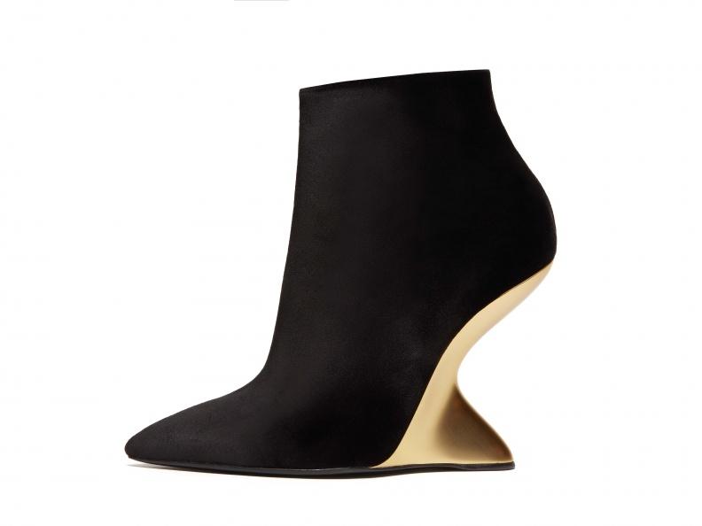 BOLGHERIV黑色天鵝絨金色F形楔形靴, 建議售價NT$40,500.jpg