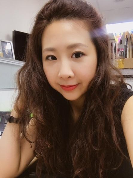 紀梵希美妝公關 Jessica.jpg