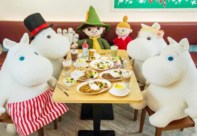 5.和日本店一樣,餐點均為現點現做,粉絲們可以在店內和嚕嚕米一家同桌用餐。.jpg