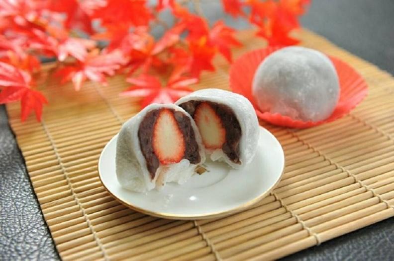 新巧屋-草莓紅豆大福.jpg