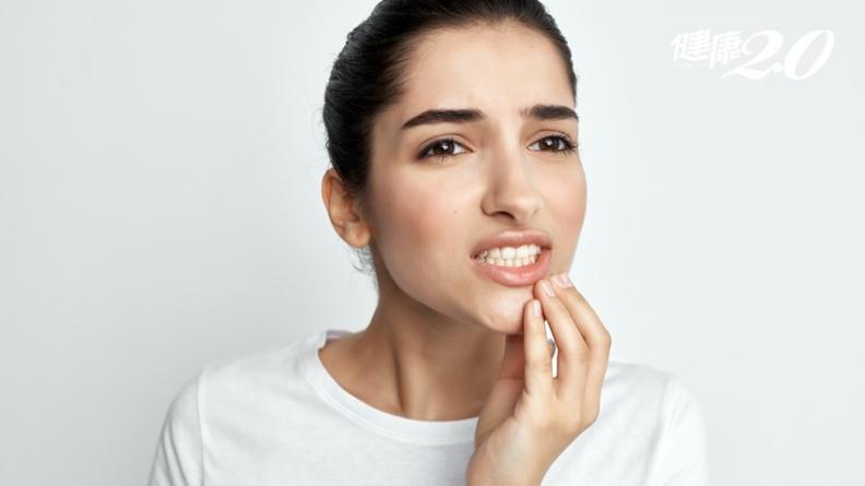 刷牙、打呵欠口張不開...15大徵兆,下巴卡卡的原因是這個病!