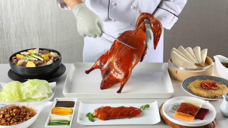 沒預訂吃不到,3200元套餐!廣式片皮鴨「一鴨五吃」烤鴨迷揪團去